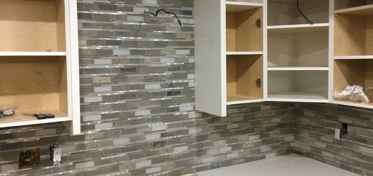 VANCOUVER RETAILER OF QUALITY FLOOR AND WALL PRODUCTS FOR INTERIOR AND EXTERIOR APPLICATIONS